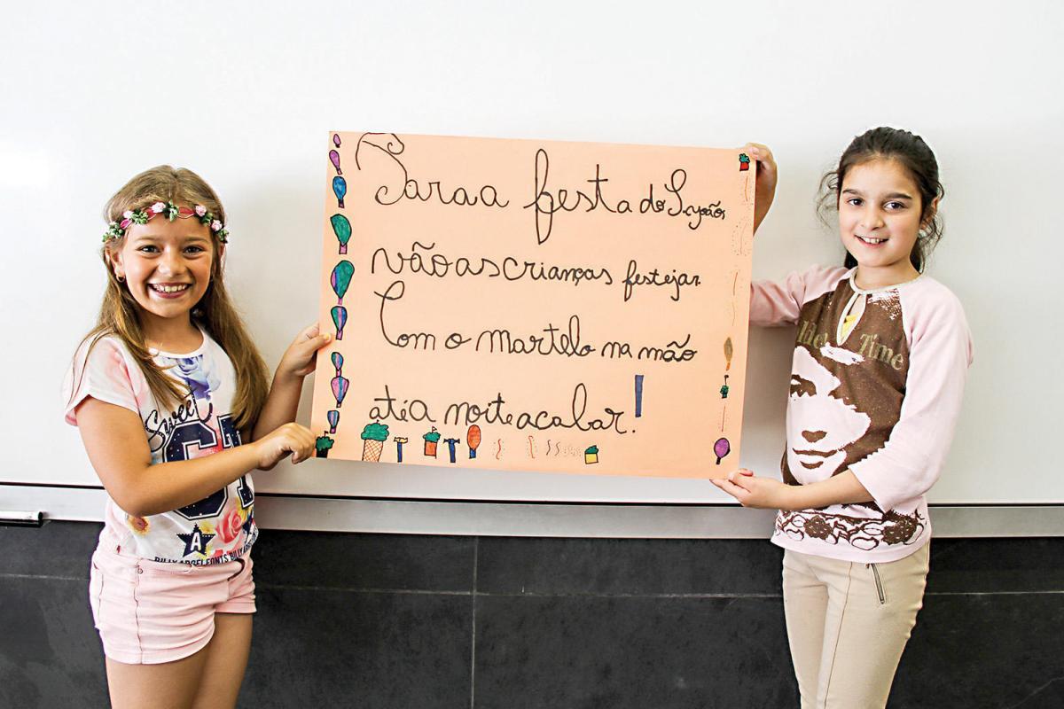Alunos da Escola Básica do Estádio do Mar faz quadras de São João