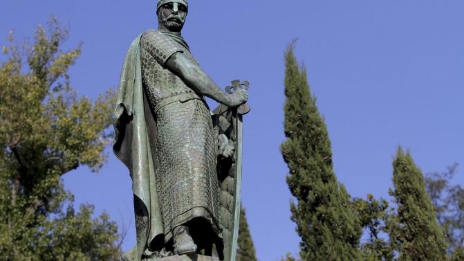 Estátua de D. Afonso Henriques Vandalizada